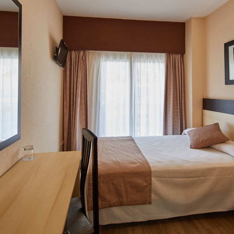 Single room in Marconfort Griego Hotel